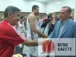 Erdoğan Soyunma Odasında 12 Dev Adam'ı Tebrik Etti