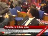 CHP'lilerden Meclis'te biber gazlı eylem