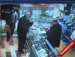 Yaşlı Hırsız Güvenlik Kamerasına Yakalandı