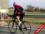 Bisikletiyle 90km Hız Yapıyor!