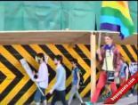 Eşcinseller Yollara Aktı