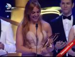 meryem uzerli - Meryem Uzerli Altın Kelebekte En İyi Kadın Oyuncu Ödülünü Aldı