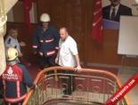 CHP Binasını İşgal Eden İşçilere Biber Gazlı Müdahale-1