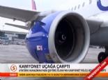 Kamyonet Uçağa Çarptı!