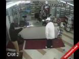 Soyguncuyu, Silahını Alıp Kapı Dışarı Etti