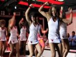 NBA'de Ponpon Kıza Süpriz Evlilik Teklifi