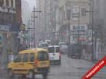 Rize'de Soğuk Hava Ve Kar Yağışı... Halk Otobüsü Mahsur Kar'da Kaldı