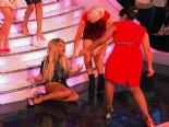 Take Me Out Yarışmacısı Emma Walton Merdivenlerden Düştü