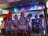 Tayland'da Para Karşılığı Kızlarını Satıyorlar