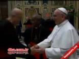 Yeni Papa Az Daha Düşüyordu!