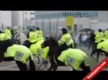 İngiliz Holigan Atlı Polise Saldırdı