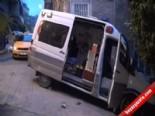 Beyoğlu'nda Ambulans yolu kapatınca vatandaşlar öfkelendi