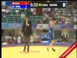 Azeri Güreşçiden Çok Konuşulan Zafer Dansı