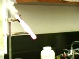 Potasyum kloratın içine jelibon atılırsa ne olur?