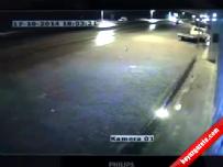 Otomobilin Bisiklete Çarpma Anı Güvenlik Kamerasında