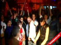 Ülkücüler PKK ve Öcalan bayrağını ateşe verdi