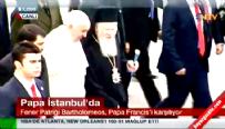 Papa'nın ayağı halıya takıldı