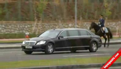 Putin, Cumhurbaşkanlığı Sarayı'nda Törenle Karşılandı