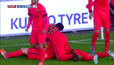 Messi'nin kafasına su şişesi attılar