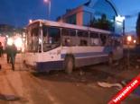 Başkentt'e göstericiler belediye otobüsüne molotof ile saldırdı