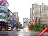 Güney Kore'de Helikopter Caddenin Ortasına Çakıldı