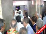 Cumhurbaşkanı Adayı İhsanoğlu Asansörlerin Azizliğine Uğradı