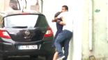 2 Aylık Hamile Karısını Sokak Ortasında Saçlarından Çekerek Yerlerde Sürükledi