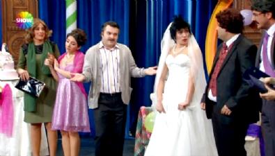 Güldür Güldür Show - Cimri Şevket'in Oğluna Yaptığı Düğünü Herkesi Güldürdü!
