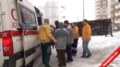 Edirne'de Yolcu Minibüsü Devrildi: 11 Yaralı