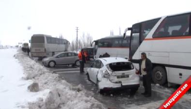 Eskişehir'in İnönü İlçesinde Sis ve Kar Nedeniyle 13 Araç Birbirine Girdi: 43 Yaralı