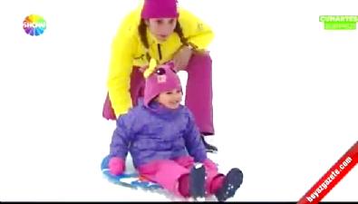 Işın Karaca ve kızı Mia'nın kar keyfi