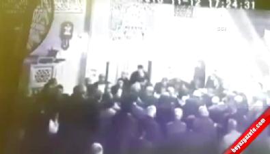Namaz kıldıran imamın bıçaklandığı dehşet anları kamerada