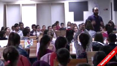 300 çocuk barış için çaldı