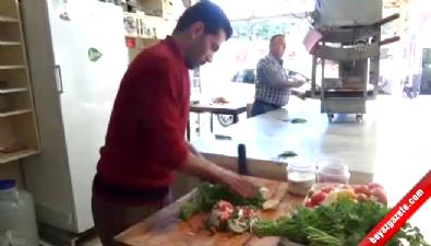 Suriye'de öğretmen Türkiye'de kebapçı