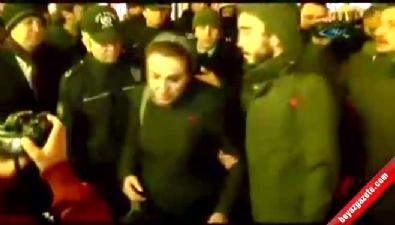 'Katil devlet' diye bağıran kadına polisten kapak!