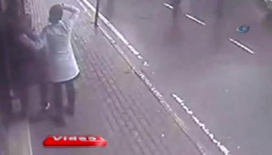 Sarıyer'deki halk otobüsü dehşeti kamerada