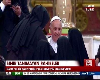 Rahibelerden Papa'ya Derin Markaj