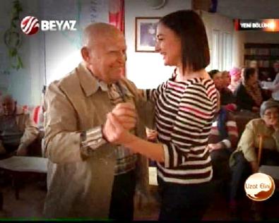 Uzat Elini Yaşlılar Haftasında Akyurt Vakfı Yaşam Evinde