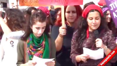 Kadına şiddete halaylı protesto