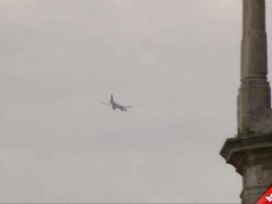 THY Yolcu Uçağı Acil İniş Yaptı