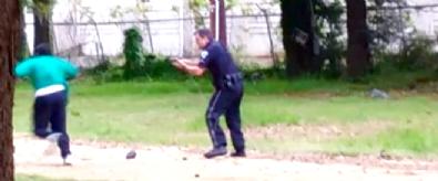 ABD polisi siyahi genci yine vurdu / 8 kurşunla sırtından vurarak durdurdu