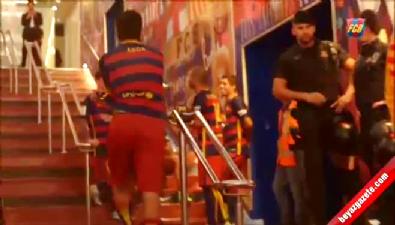 Arda Turan Messi'yi kahkalara boğdu
