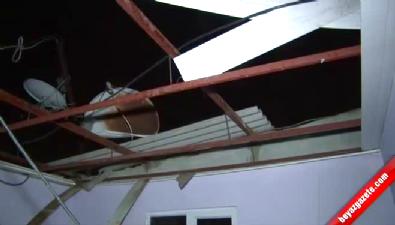 Antalya'da şiddetli fırtına çatıları uçurdu
