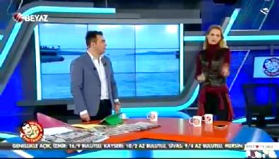 Tuğçe Kazaz canlı yayında Beyaz TV spikerini azarladı