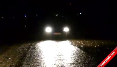 İzmir - Foça Kara Yolu suyla kaplandı