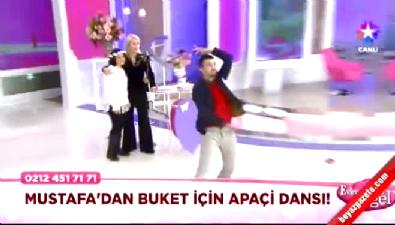 Evleneceksen Gel Mustafa'dan Apaçi Dansı