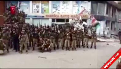 Güvenlik güçleri Cizre'yi 'Komando Marşı' ile inletti