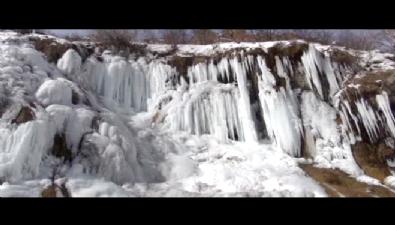 Ağlayan Kayalar Şelalesi buz tuttu