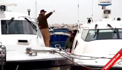 Çanakkale'de yabancı uyrukluları taşıyan tekne battı