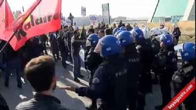 Ankara Garı'na yürümek isteyen grup polise taş ve sopalarla saldırdı